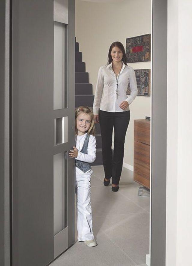nos conseils pour choisir une porte d entr e bien isol e. Black Bedroom Furniture Sets. Home Design Ideas